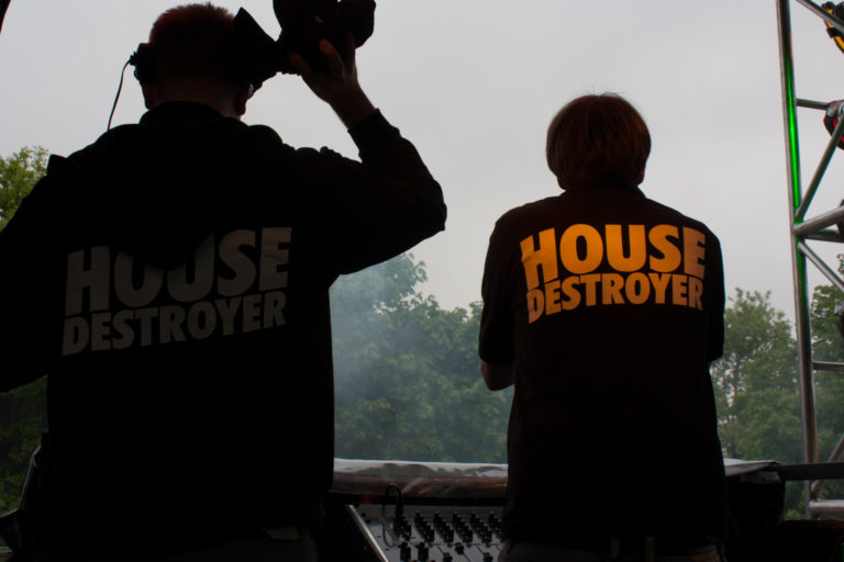 Housedestroyer