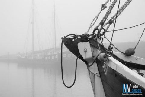 Greetsiel im Nebel
